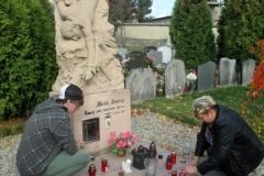 6z_na hřbitově1